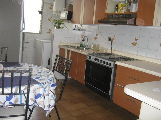 Apartamento Carabobo>Valencia>Valles de Camoruco - Venta:21.500 Precio Referencial - codigo: 21-3027