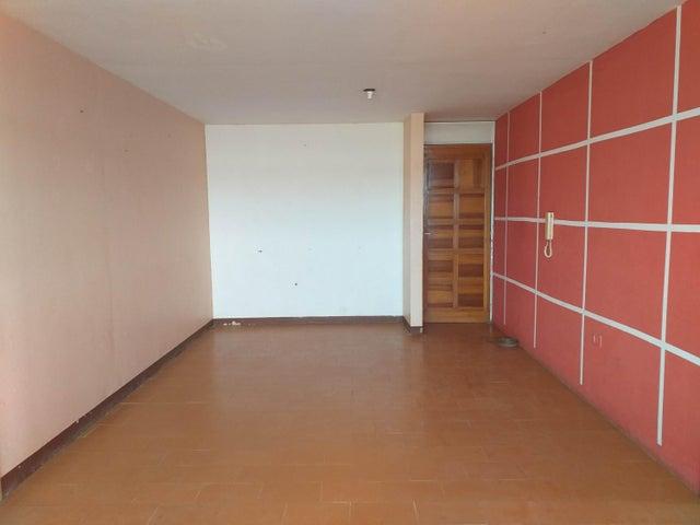 Apartamento Falcon>Coro>Sector San Jose - Venta:7.300 Precio Referencial - codigo: 21-3078