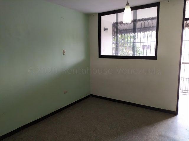 Apartamento Miranda>Guarenas>Menca de Leoni - Venta:8.500 Precio Referencial - codigo: 21-3040