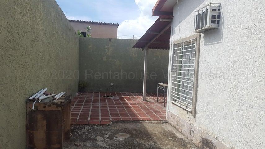 Casa Aragua>Cagua>El Bosque - Venta:20.000 Precio Referencial - codigo: 21-3051