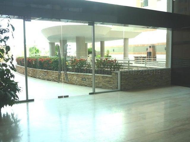 Apartamento Carabobo>Valencia>Las Chimeneas - Venta:39.000 Precio Referencial - codigo: 21-3095