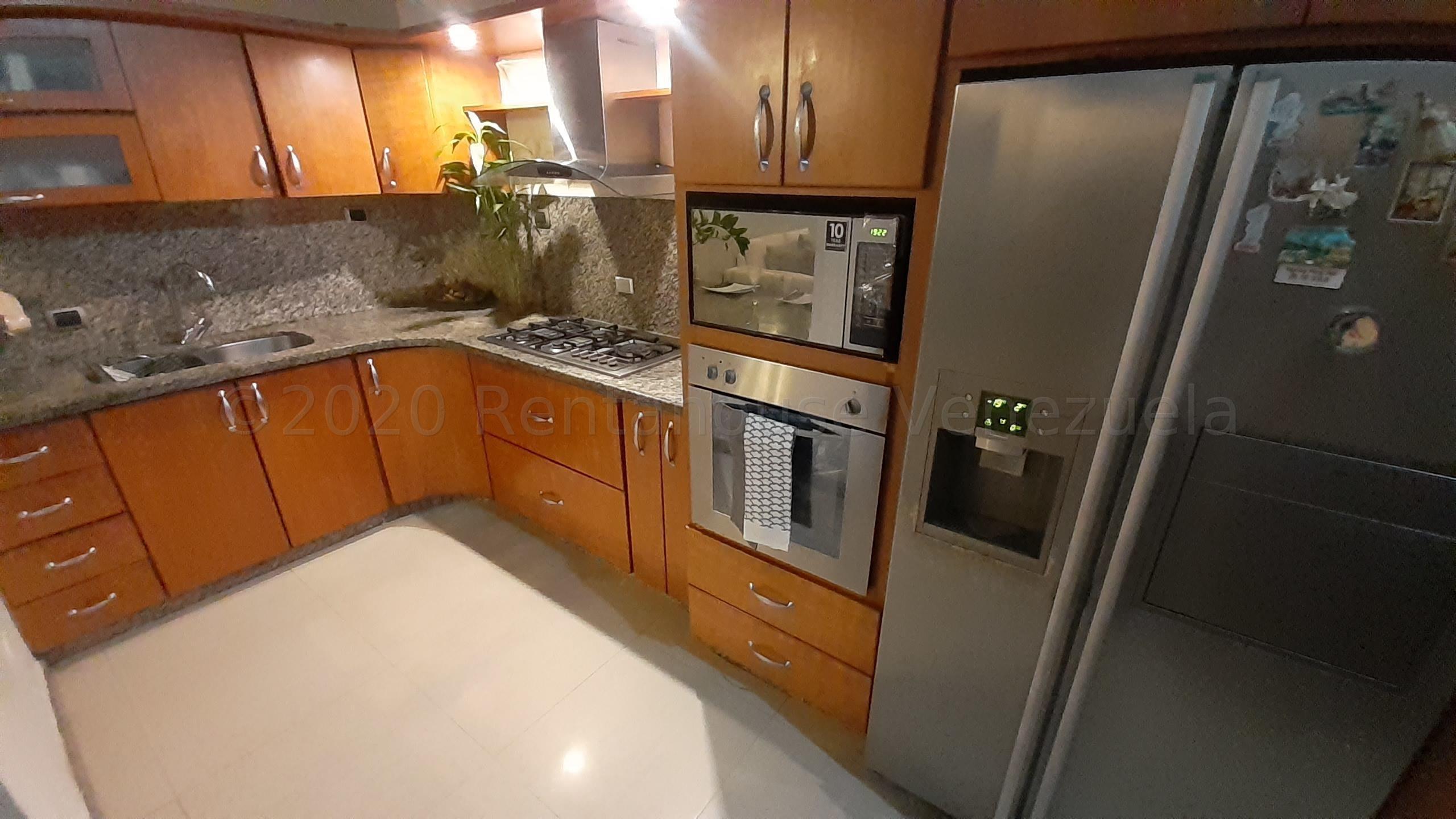 Casa Carabobo>Valencia>Los Mangos - Venta:90.000 Precio Referencial - codigo: 21-3128