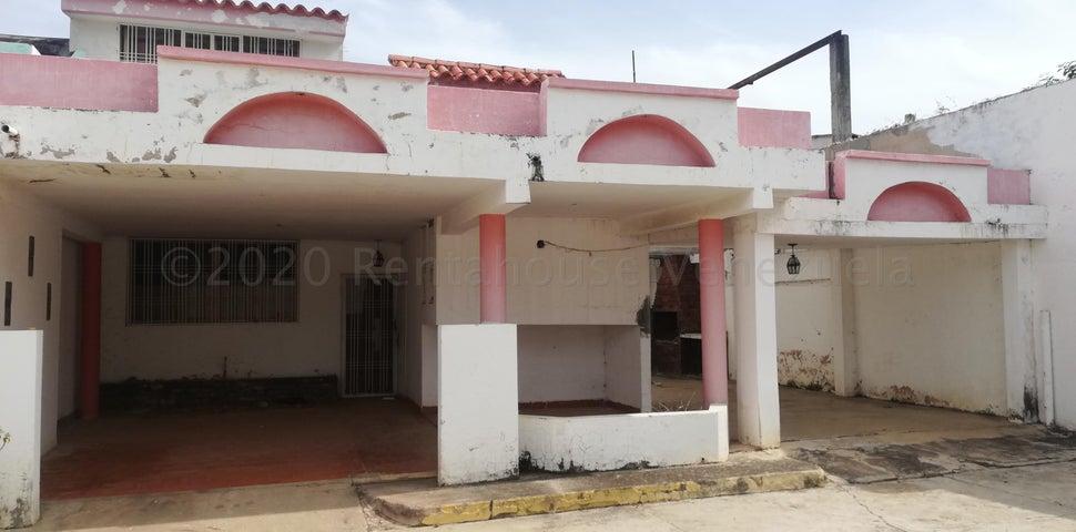 Townhouse Zulia>Cabimas>Bello Monte - Venta:13.500 Precio Referencial - codigo: 21-3067