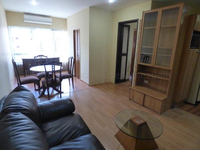 Apartamento Distrito Metropolitano>Caracas>El Rosal - Alquiler:550 Precio Referencial - codigo: 21-3072