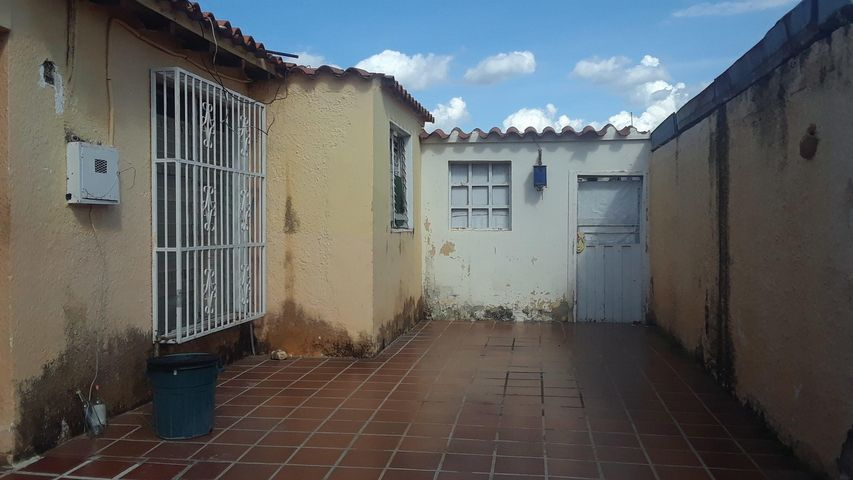 Casa Lara>Cabudare>Valle Hondo - Venta:19.500 Precio Referencial - codigo: 21-3075