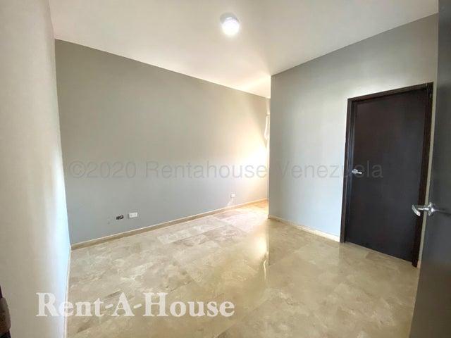 Apartamento Zulia>Maracaibo>Las Mercedes - Venta:110.000 Precio Referencial - codigo: 21-3388