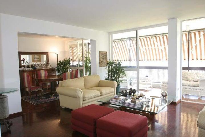 Apartamento Distrito Metropolitano>Caracas>Colinas de Los Caobos - Venta:110.000 Precio Referencial - codigo: 21-3082