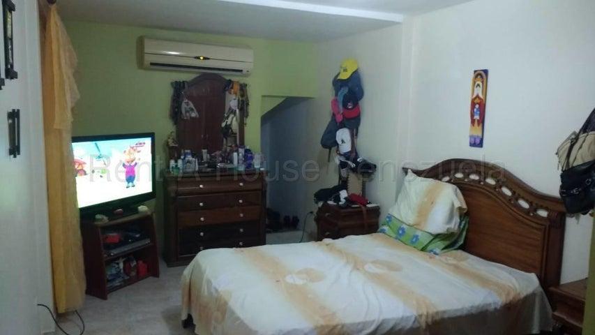 Casa Lara>Barquisimeto>Hacienda Yucatan - Venta:23.000 Precio Referencial - codigo: 21-3084
