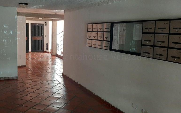 Apartamento Distrito Metropolitano>Caracas>Terrazas de Guaicoco - Venta:21.000 Precio Referencial - codigo: 21-3088