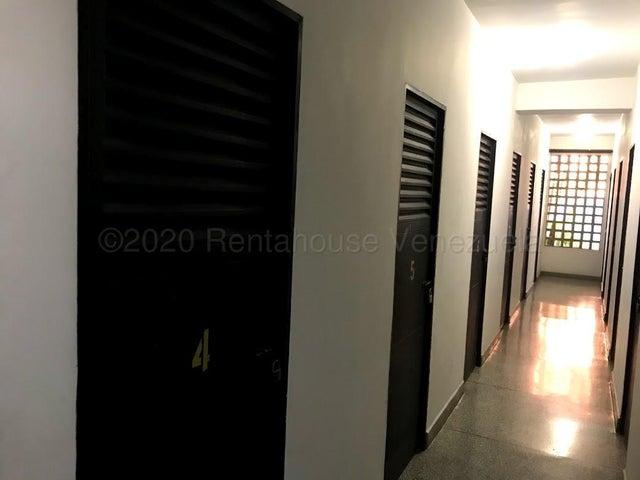 Apartamento Carabobo>Valencia>El Parral - Venta:145.000 Precio Referencial - codigo: 21-3126
