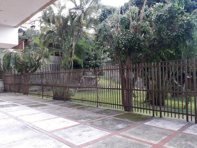 Apartamento Distrito Metropolitano>Caracas>Santa Monica - Venta:49.900 Precio Referencial - codigo: 21-3120