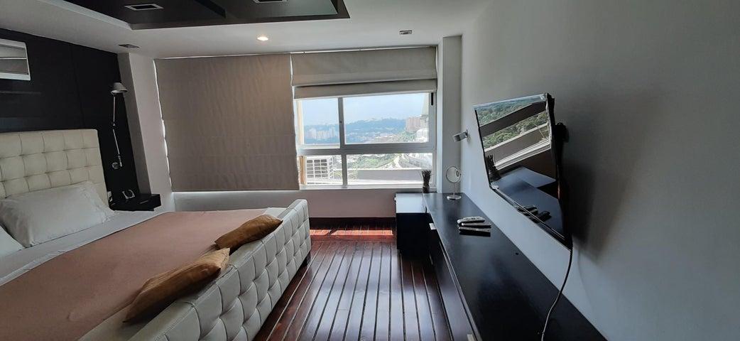 Apartamento Distrito Metropolitano>Caracas>Los Naranjos del Cafetal - Venta:169.000 Precio Referencial - codigo: 21-3099