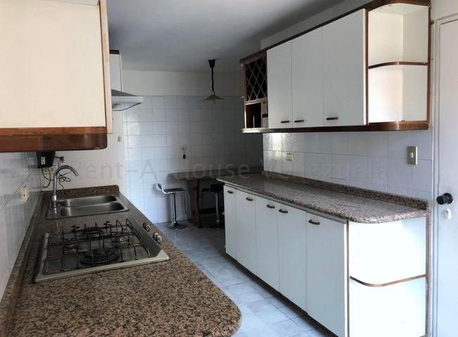 Apartamento Distrito Metropolitano>Caracas>Los Dos Caminos - Venta:160.000 Precio Referencial - codigo: 21-3101