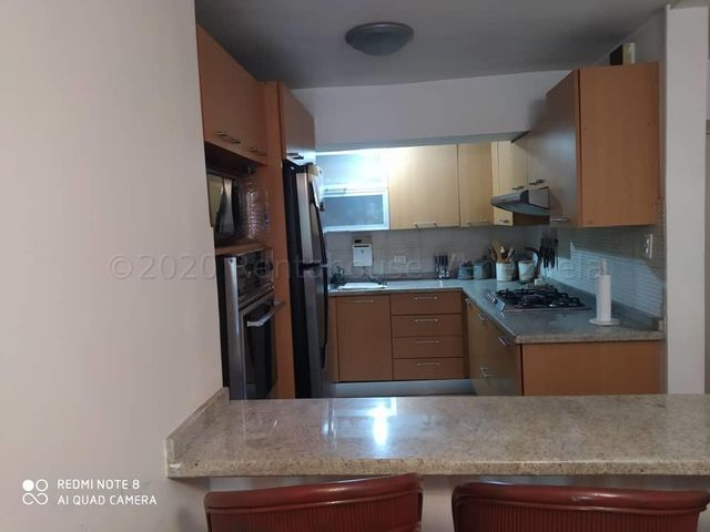 Apartamento Distrito Metropolitano>Caracas>Los Naranjos del Cafetal - Venta:58.000 Precio Referencial - codigo: 21-3178
