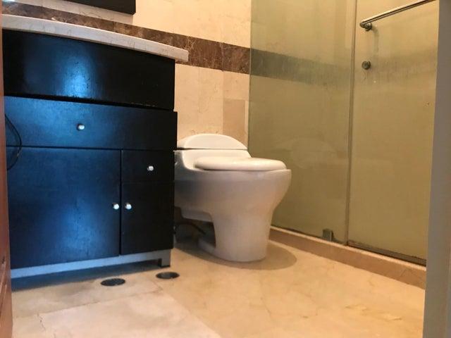 Apartamento Distrito Metropolitano>Caracas>Solar del Hatillo - Venta:100.000 Precio Referencial - codigo: 21-3106
