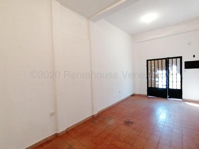Local Comercial Lara>Barquisimeto>Centro - Alquiler:130 Precio Referencial - codigo: 21-3111