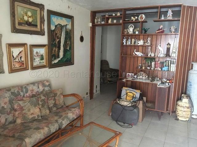 Casa Falcon>Punto Fijo>Casacoima - Venta:60.000 Precio Referencial - codigo: 21-3123