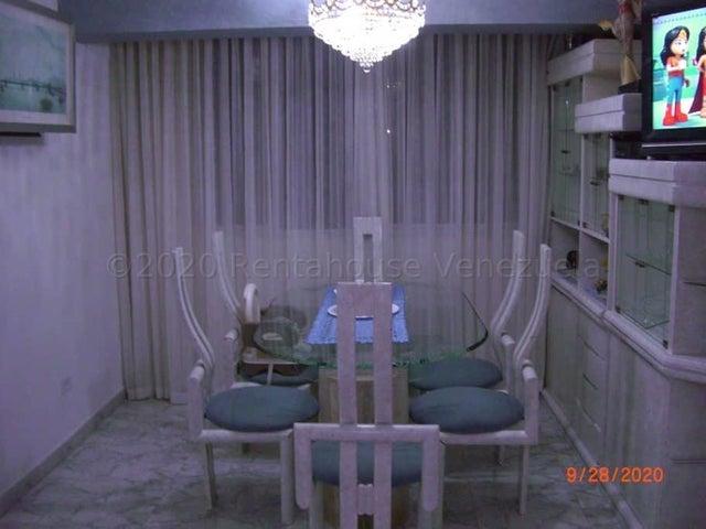 Apartamento Distrito Metropolitano>Caracas>Parroquia La Candelaria - Venta:42.000 Precio Referencial - codigo: 21-3130