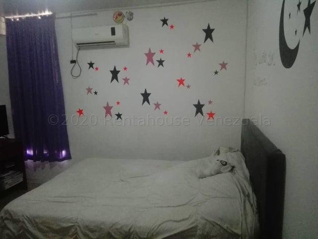 Apartamento Aragua>Maracay>El Centro - Venta:19.500 Precio Referencial - codigo: 21-3127