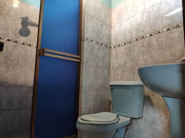 Apartamento Miranda>Los Teques>Los Teques - Venta:9.000 Precio Referencial - codigo: 21-3133