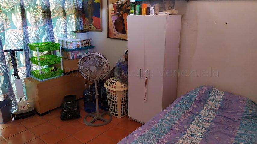 Casa Distrito Metropolitano>Caracas>Prados del Este - Venta:280.000 Precio Referencial - codigo: 21-3141