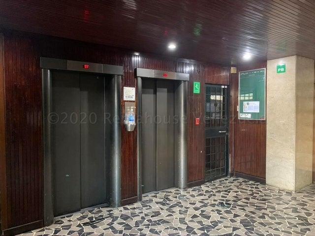 Oficina Distrito Metropolitano>Caracas>Chacao - Venta:55.000 Precio Referencial - codigo: 21-3139