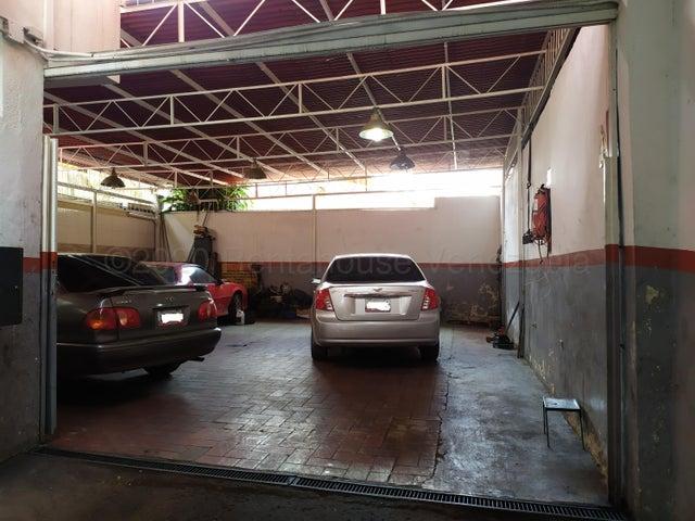 Casa Distrito Metropolitano>Caracas>Santa Monica - Venta:400.000 Precio Referencial - codigo: 21-3145