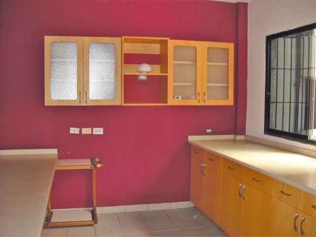 Apartamento Distrito Metropolitano>Caracas>Chacao - Venta:50.000 Precio Referencial - codigo: 21-3148