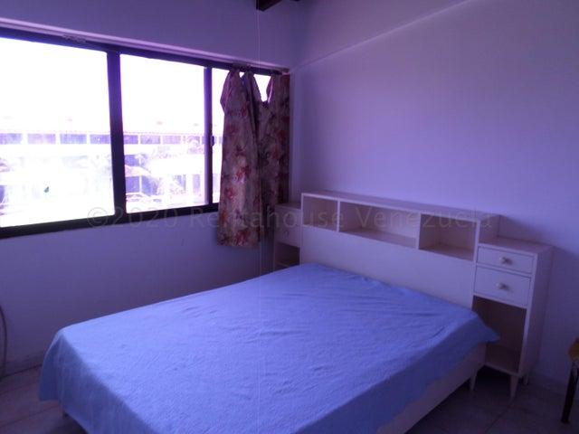 Apartamento Miranda>Higuerote>Puerto Encantado - Venta:17.000 Precio Referencial - codigo: 21-3155