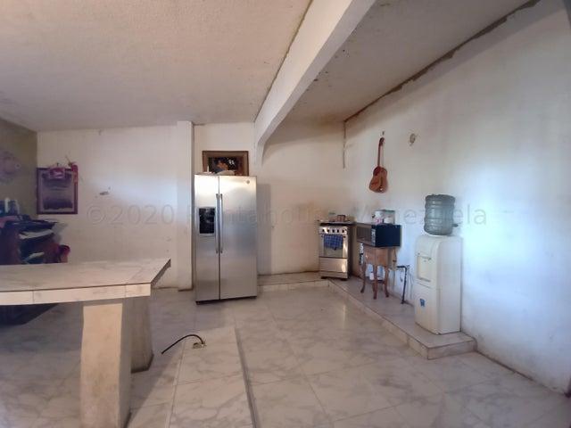 Casa Carabobo>Municipio Libertador>Villas de San Francisco - Venta:15.500 Precio Referencial - codigo: 21-3157