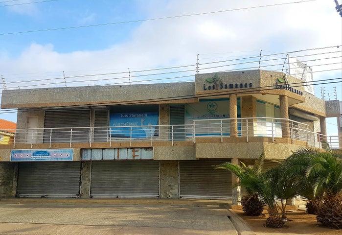 Local Comercial Falcon>Coro>Centro - Venta:20.000 Precio Referencial - codigo: 21-3158
