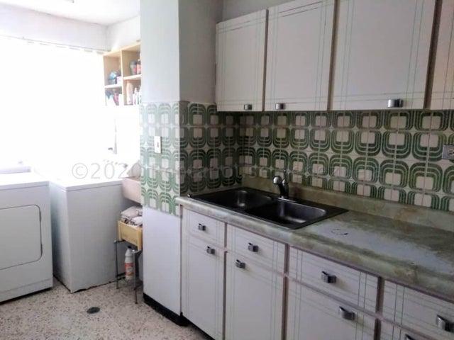 Apartamento Miranda>San Antonio de los Altos>Los Salias - Venta:34.000 Precio Referencial - codigo: 21-3263