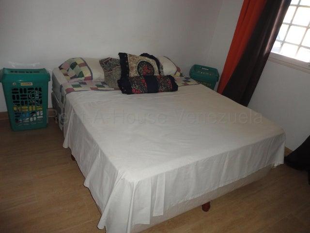 Casa Miranda>Guatire>Canaima Uno - Venta:45.000 Precio Referencial - codigo: 21-3244