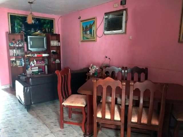 Casa Falcon>La Vela de Coro>Las Calderas - Venta:10.000 Precio Referencial - codigo: 21-3271