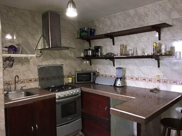 Apartamento Distrito Metropolitano>Caracas>El Valle - Venta:17.000 Precio Referencial - codigo: 21-3294