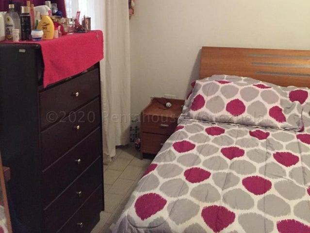 Casa Carabobo>Valencia>Trigal Sur - Venta:58.000 Precio Referencial - codigo: 21-3348