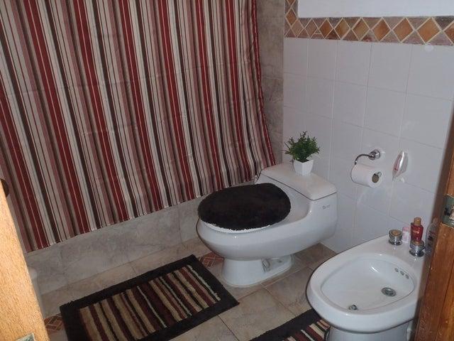 Casa Carabobo>Valencia>El Rincon - Venta:80.000 Precio Referencial - codigo: 21-3340