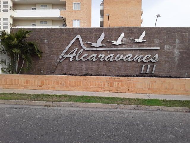Apartamento Miranda>Higuerote>Agua Sal - Venta:30.000 Precio Referencial - codigo: 21-3359