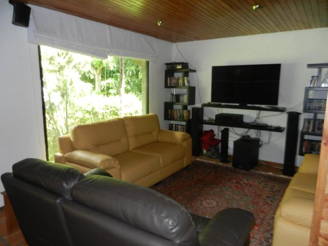 Casa Distrito Metropolitano>Caracas>Los Palos Grandes - Alquiler:2.500 Precio Referencial - codigo: 21-3364