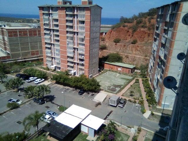 Apartamento Vargas>Catia La Mar>Playa Grande - Venta:38.000 Precio Referencial - codigo: 21-3386