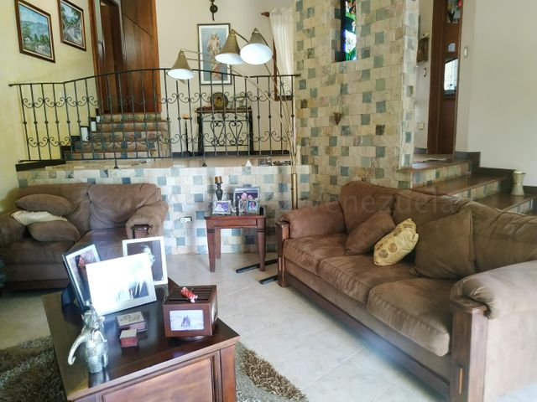 Casa Carabobo>Municipio San Diego>Las Morochas II - Venta:180.000 Precio Referencial - codigo: 21-3397
