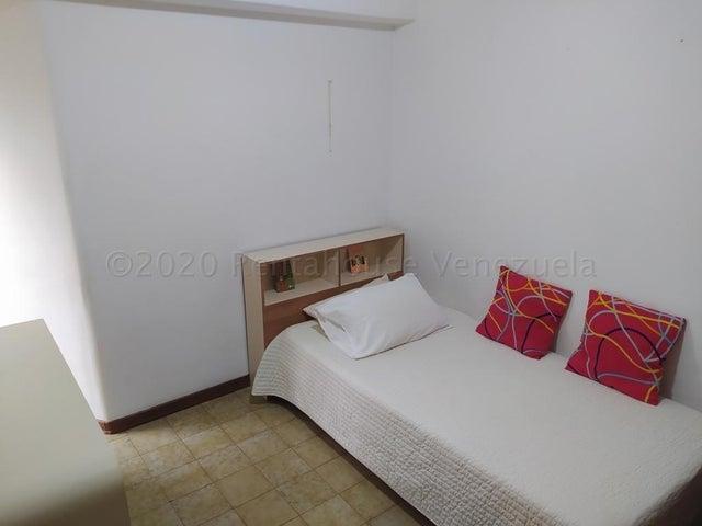 Apartamento Distrito Metropolitano>Caracas>Terrazas del Avila - Venta:65.000 Precio Referencial - codigo: 21-3567