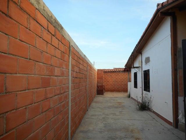 Casa Carabobo>Guacara>Ciudad Alianza - Venta:16.000 Precio Referencial - codigo: 21-2776