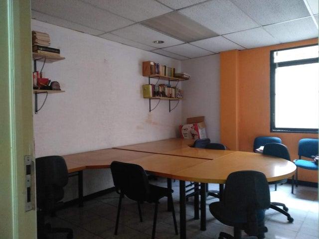 Oficina Distrito Metropolitano>Caracas>Parroquia Catedral - Venta:18.500 Precio Referencial - codigo: 21-3934