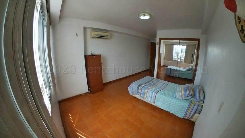 Apartamento Distrito Metropolitano>Caracas>Chacao - Venta:65.000 Precio Referencial - codigo: 21-3822