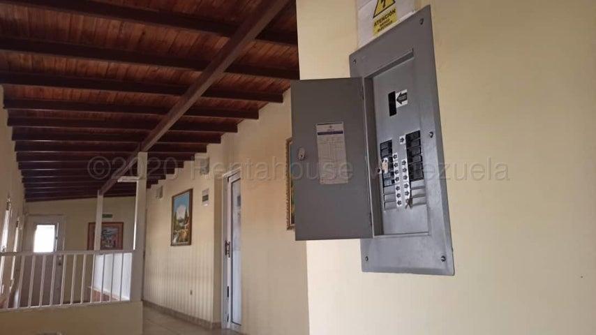 Local Comercial Falcon>Punto Fijo>Santa Irene - Alquiler:130 Precio Referencial - codigo: 21-3817