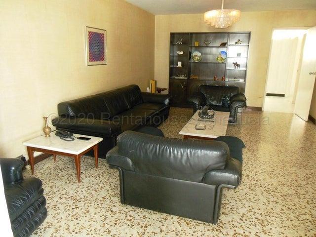 Casa Distrito Metropolitano>Caracas>San Bernardino - Venta:395.000 Precio Referencial - codigo: 21-3974