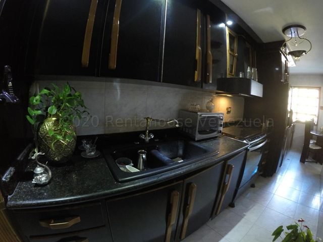 Apartamento Distrito Metropolitano>Caracas>Colinas de Santa Monica - Venta:59.900 Precio Referencial - codigo: 21-3987