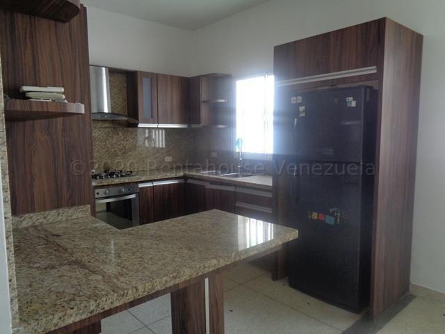 Casa Lara>Barquisimeto>Parroquia Concepcion - Venta:75.000 Precio Referencial - codigo: 21-3989