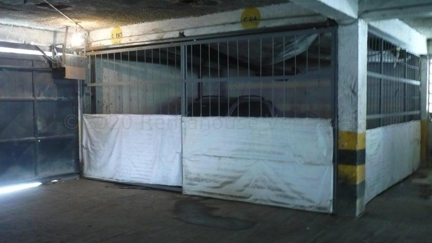 Apartamento Miranda>Los Teques>El Trigo - Venta:15.000 Precio Referencial - codigo: 21-4059